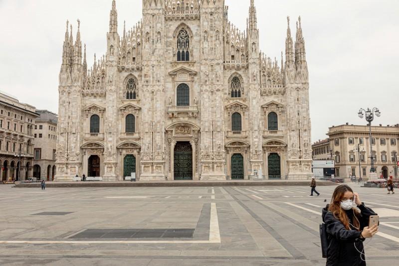 武漢肺炎在義大利造成1016人死亡,在過去的24小時內,有188人死亡。(彭博)