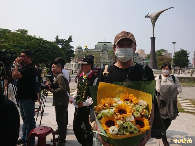 日本人飯田廣志連4年參加湯德章追思紀念活動。(記者洪瑞琴攝)