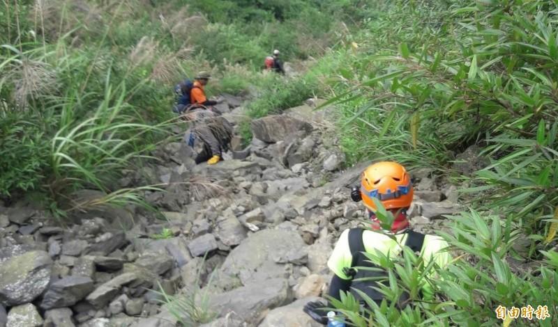 一對夫妻爬大姆姆山失聯,屏東警消上山搜救。(資料照)