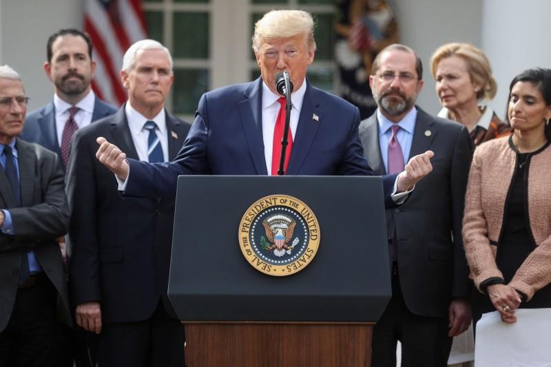 美國總統川普宣布美國進入「國家緊急狀態」,撥款500億美元提供更多資源,給感染更多照護。(路透)