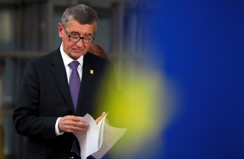 捷克繼日前宣布「鎖國」防疫後,捷克總理巴比斯(見圖)今(15)日表示,擬再宣布「全國性隔離」,以防堵疫情擴散。(路透)