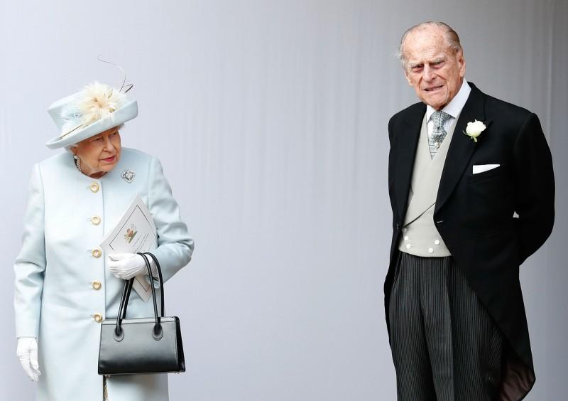 若武漢肺炎疫情持續在英國擴散,英國女王伊莉莎白二世和菲利普親王將前往桑德令罕府自我隔離。(法新社資料照)