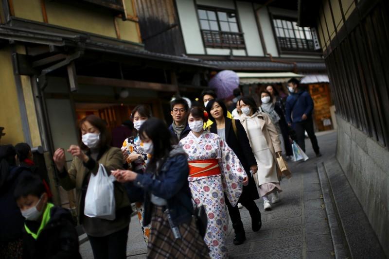 日本境內確診人數已來到1530人。(路透)