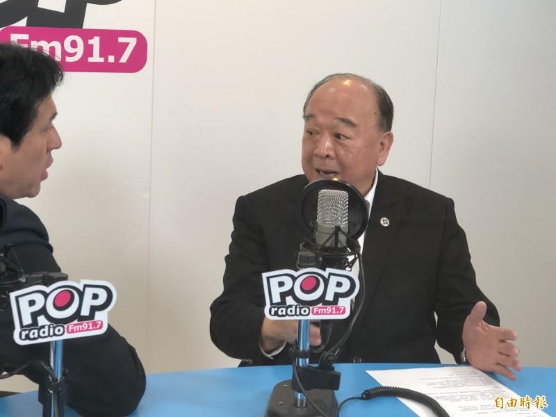 國民黨立委吳斯懷上午接受廣播專訪。(記者陳昀攝)