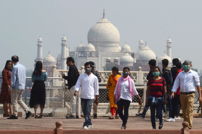 印度宣布關閉古蹟、博物館,知名景點泰姬瑪哈陵也將停止開放至31日。(法新社)