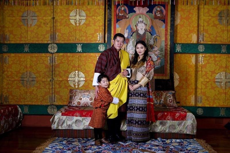不丹國王旺楚克與王后佩瑪的第2個孩子今日誕生。(圖取自「kingjigmekhesar」IG)