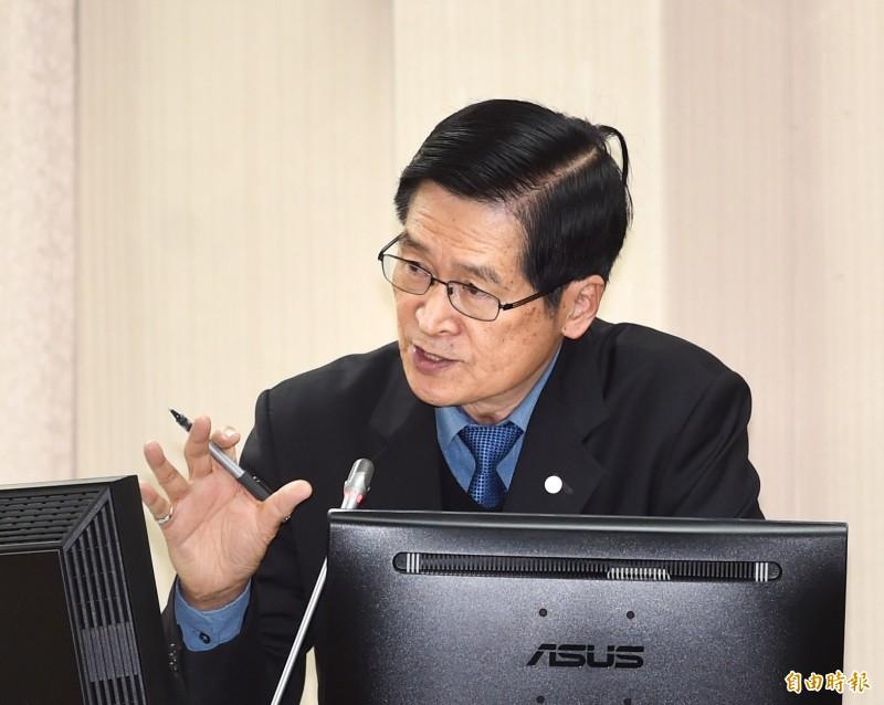 立法院國防委員會19日開會,國防部長嚴德發列席備詢。(記者方賓照攝)