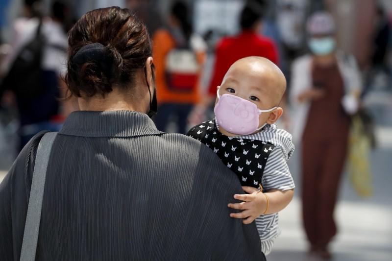 香港昨日新增確診病例中,首次出現有孕婦確診。圖為示意圖,與新聞內容無關。(歐新社)