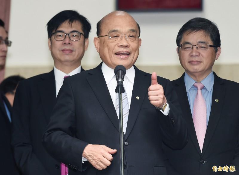 行政院長蘇貞昌20日赴立法院施政報告總質詢,會前受訪。(記者廖振輝攝)