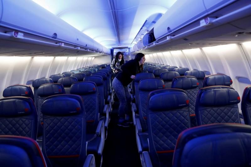 美國提升全球旅遊警示至最高級。(路透)