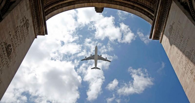 厄瓜多瓜亞基爾市長辛西婭.維特里下令阻擋飛機降落,被當地檢方展開調查。飛機示意圖與新聞無關。(路透檔案照)