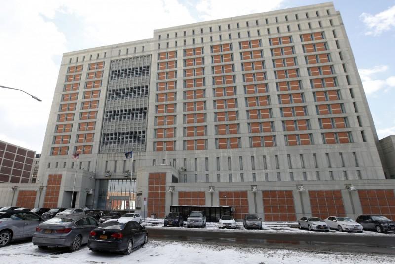 美國聯邦監獄出現首位確診囚犯,紐約布魯克林大都會拘留中心的1名犯人被驗出新型冠狀病毒陽性。(美聯社)