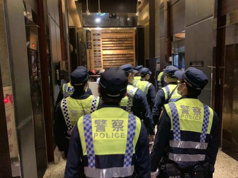 警方強力稽查夜店、PUB、KTV等業者,桃園市已有3家夜店響應政策,暫停營業14天。(記者鄭淑婷翻攝)