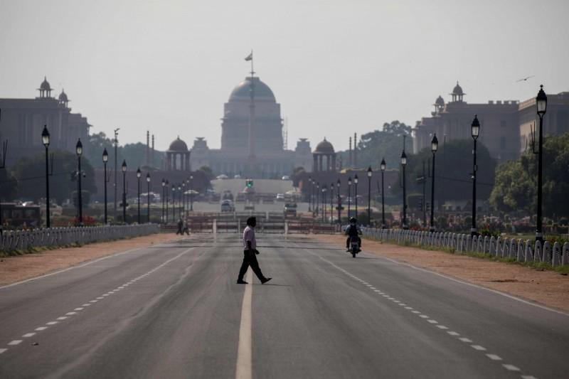 印度首都新德里(New Delhi)宣布「封城」到3月31日。(法新社)