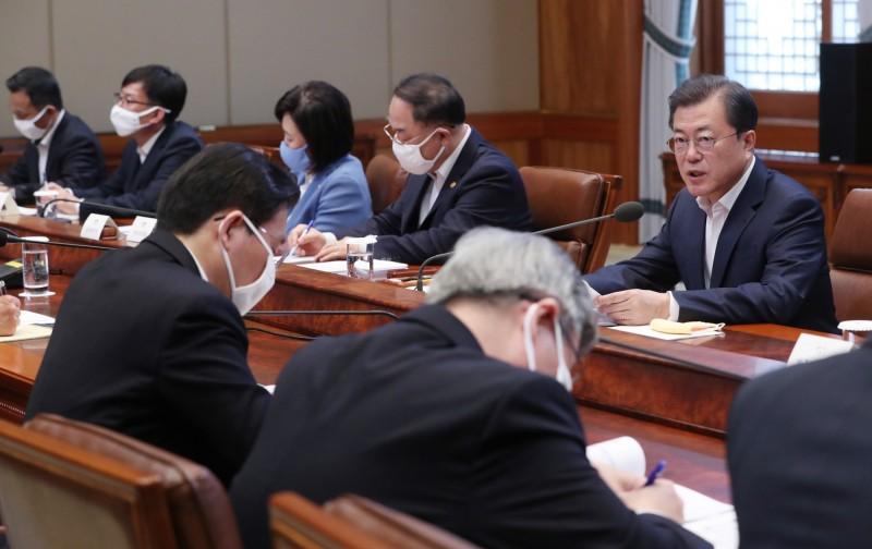 南韓總統文在寅今日在強調,對「N號房」案進行徹查,並要檢警獨立調查是否有公職人員涉案。(歐新社)