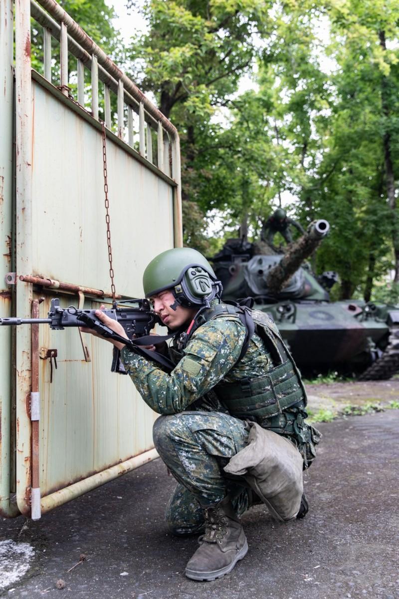 軍方表示,此次軍演是實現「仗在哪裡打、部隊就在哪裡練」原則。(軍聞社提供)
