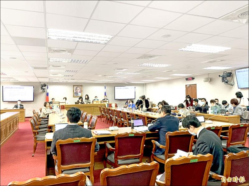 立法院司法及法制委員會昨就「監試法法案應否廢止」進行討論。(記者謝君臨攝)