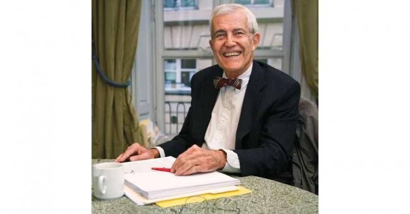 美國胸腔暨重症科泰斗默里(John F. Murray)不幸死於因武漢肺炎引起的急性呼吸窘迫症候群(ARDS),享壽92歲,震驚全球醫界。(翻攝自加州大學舊金山分校醫學院網站)