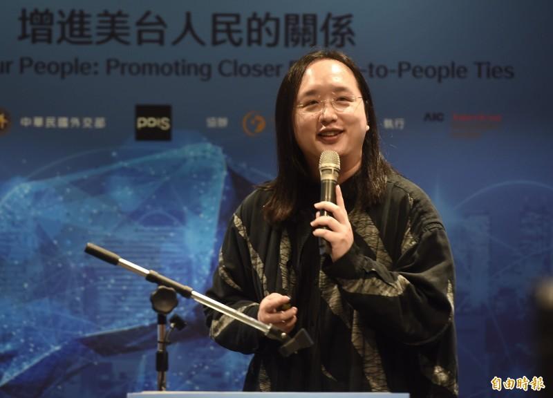 行政院政務委員唐鳳表示,口罩實名制2.0第一輪試辦可以取貨了。(資料照)