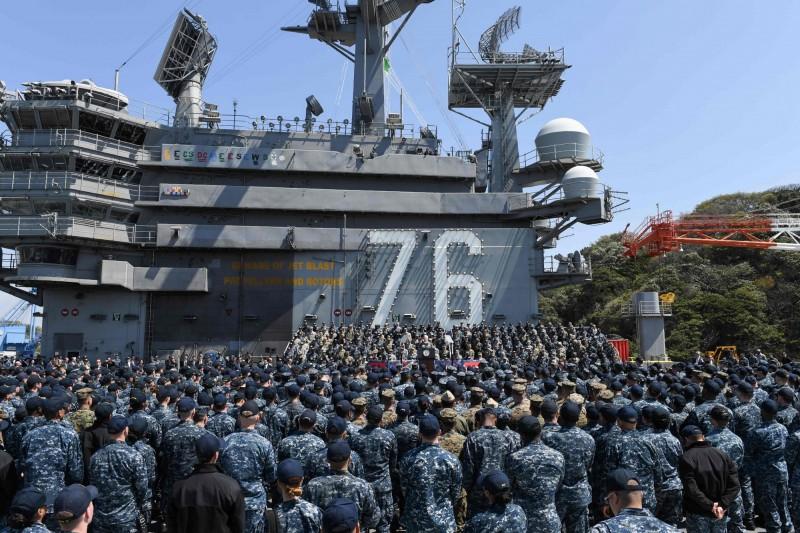 駐日美軍(USFJ)傳出首例確診,為橫須賀基地的一名海軍人員。示意圖。(資料照,法新社)