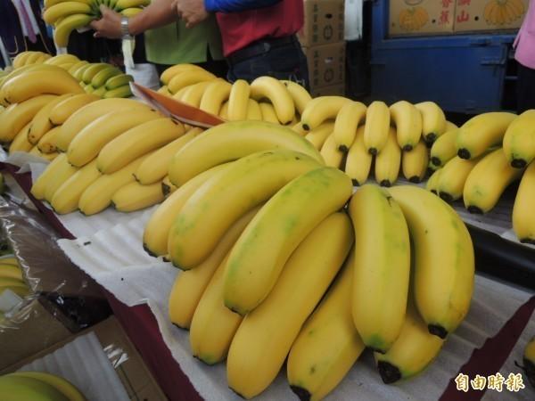 北海道釧路市成功挑戰在零下10度的嚴寒天氣下栽種溫室香蕉,命名為「北限(北方界限)香蕉」,甜度比一般香蕉高10度,香蕉示意圖。(資料照)