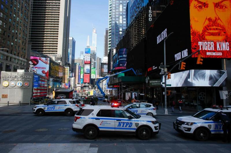紐約市警局近期加強巡邏,減少民眾在外集會。(法新社)