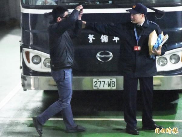 前高院法官江國華、江衡(左)父子,被控協助北韓載送無煙煤約4萬噸轉賣,但因父子認罪,均獲緩刑。(資料照)