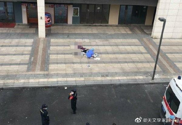 中國深圳今天發生一起國中女墜樓雙屍案,2名死者均為14歲國中生。(圖取自微博)