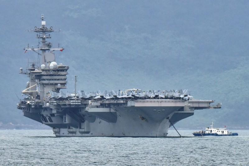 「羅斯福號」已有38人確診,正停泊於關島。(路透)