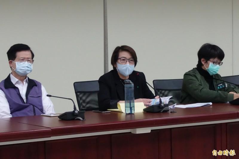 台北市副市長黃珊珊下午受訪表示,除非中央強制命令,那我們就照辦,否則目前還是只勸導。(記者沈佩瑤攝)