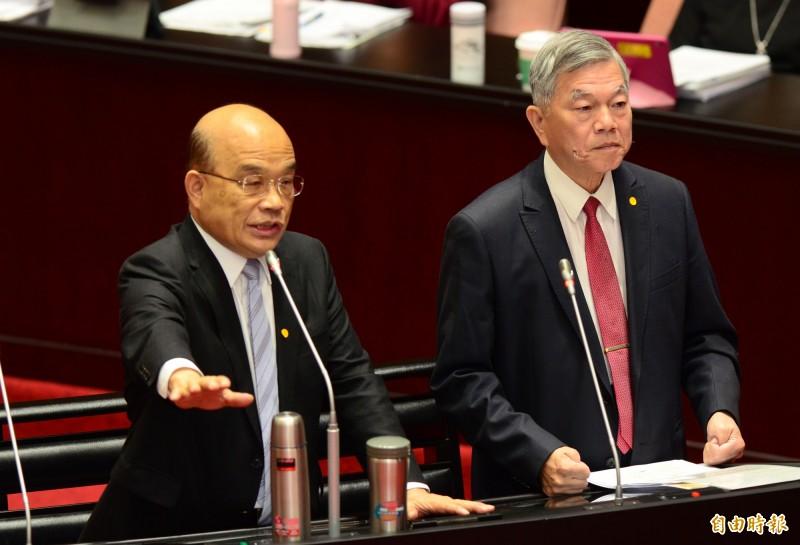 立法院院會,行政院長蘇貞昌(左)、經濟部長沈榮津(右)備詢。(記者王藝菘攝)
