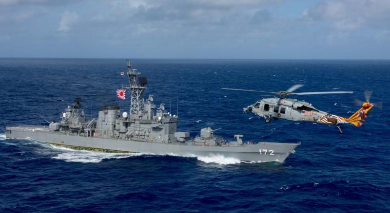 日本海上自衛隊護衛艦「島風」號,於30日晚間8時半前後,於東海公海上與中國籍漁船相撞,整起事件無人傷亡亦無人失蹤,日本相關單位已經介入調查。圖為2017年拍攝到的島風號。(路透)