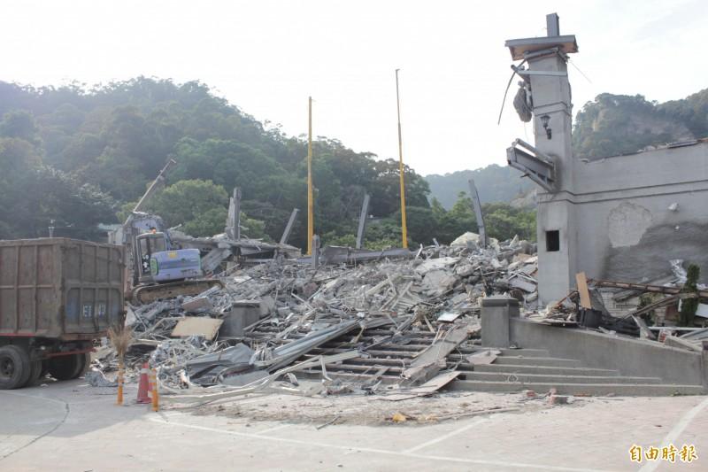 貴子坑開發案逆轉,台北市建管處前違建查報隊小隊長林韋鳴被判6年徒刑。圖為北投貴子坑俱樂部,去年四月已拆除。(資料照)