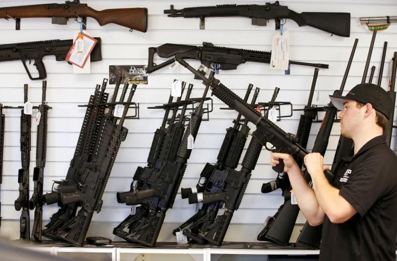 洛杉磯允許槍枝店在禁令期間照常營業。示意圖。(路透)