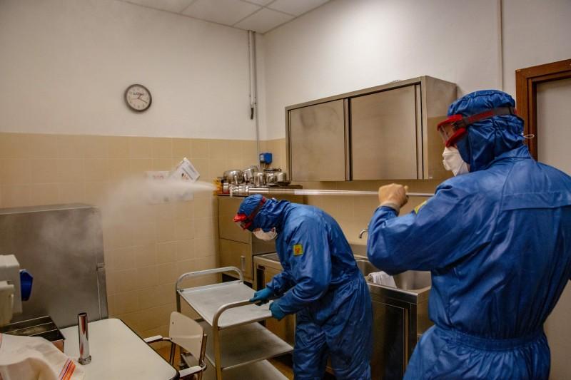 俄羅斯首都莫斯科市今日暴增595例確診,全國共76地區出現確診病例。(彭博)