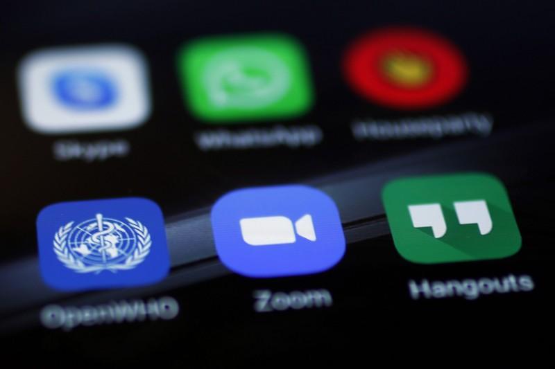 因疫情的緣故而使用量暴增的視訊會議軟體Zoom,被爆疑向中國北京傳輸加密訊息。(彭博)