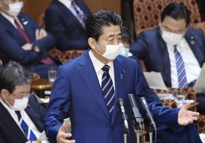 日本首相安倍晉三稍早發布進入緊急狀態,區域包括東京、神奈川縣、埼玉縣、千葉縣、大阪、兵庫和福岡。(路透)