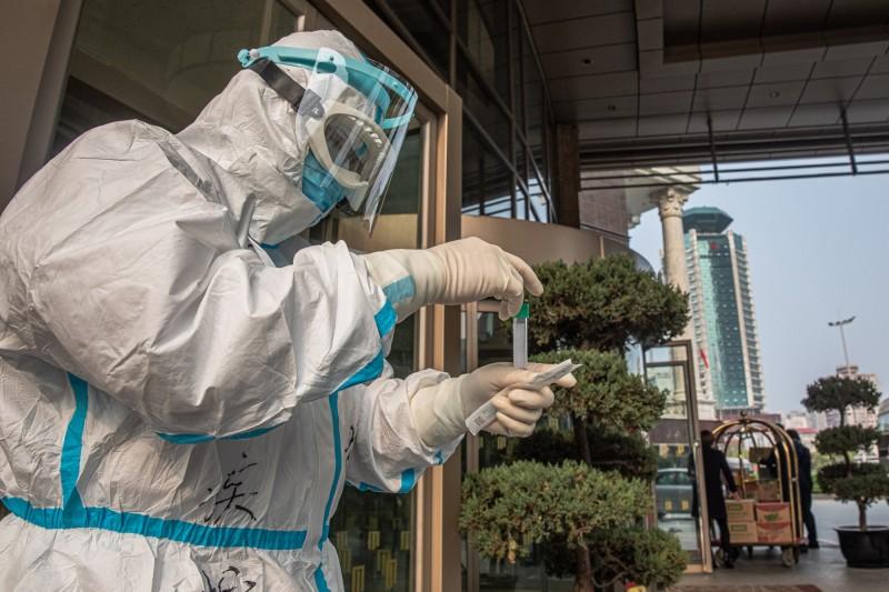英國政府向中國訂購350萬套測試盒傳出都不能使用,檢測不出輕症狀的和無症狀患者。示意圖。(歐新社)