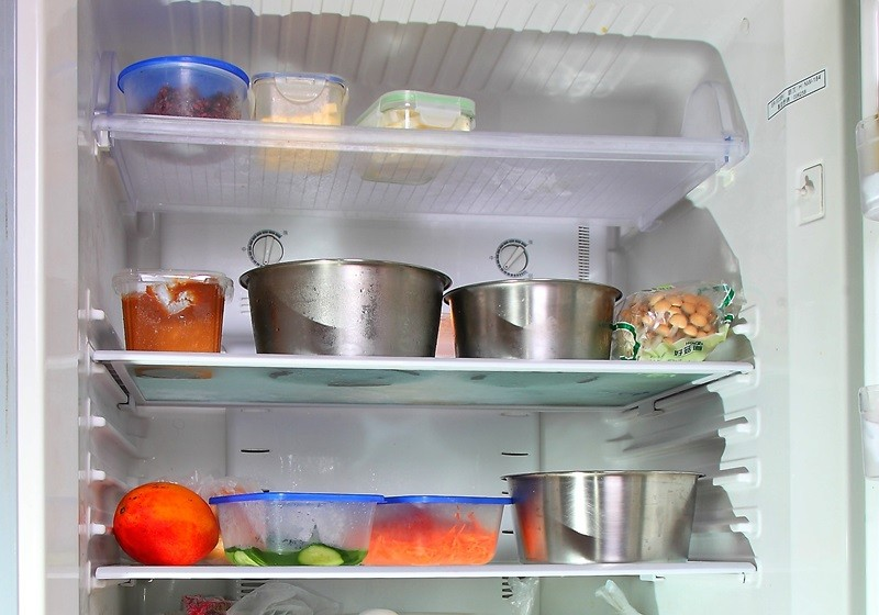美國葛萊德史東研究所病毒學博士格林內,指SARS病毒在攝氏四度以下仍可存活二十八天,建議民眾採購回家後應將食物或商品消毒,再放入冰箱。(資料照)