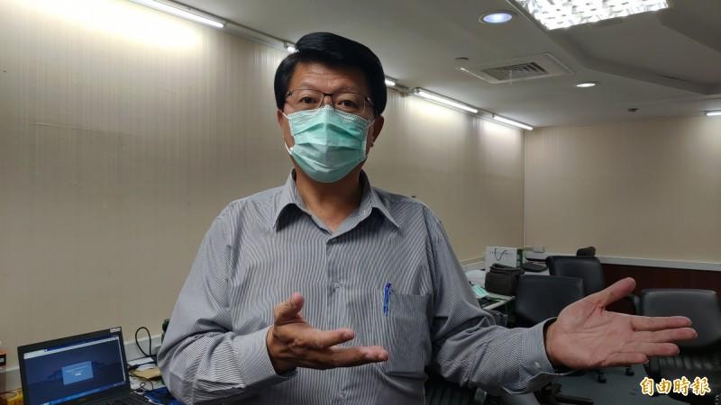 對於罷韓通過二階連署,謝龍介說,提前連署究竟有沒有效,法律要講清楚,讓人民有所依循。(記者蔡文居攝)