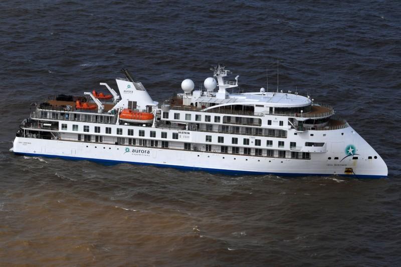 「莫提默號」停靠在烏拉圭外海,烏拉圭政府同意澳洲啟動包機。(法新社)