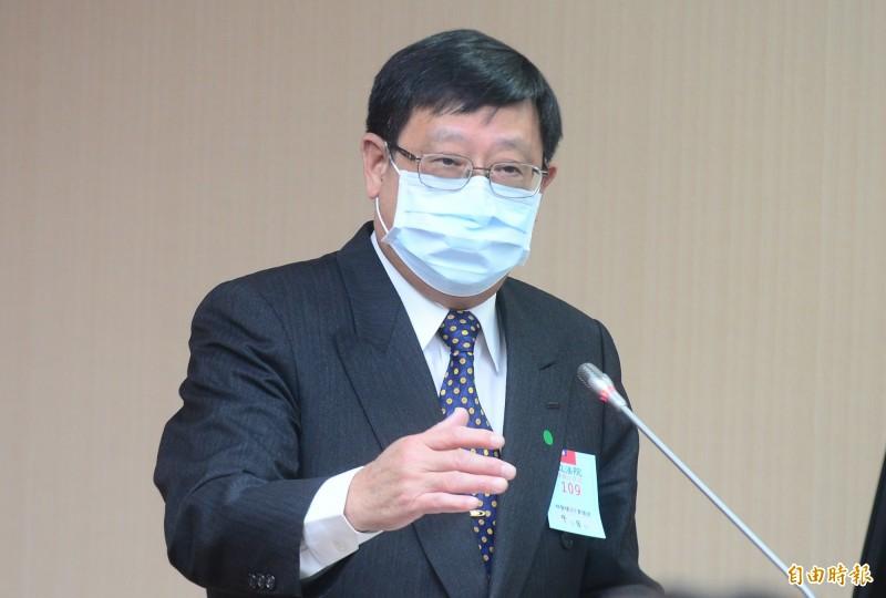 環保署長張子敬說,第二階段溫室氣體排放管制今年啟動,預估下半年就能擬出草案送行政院核定。(記者王藝菘攝)