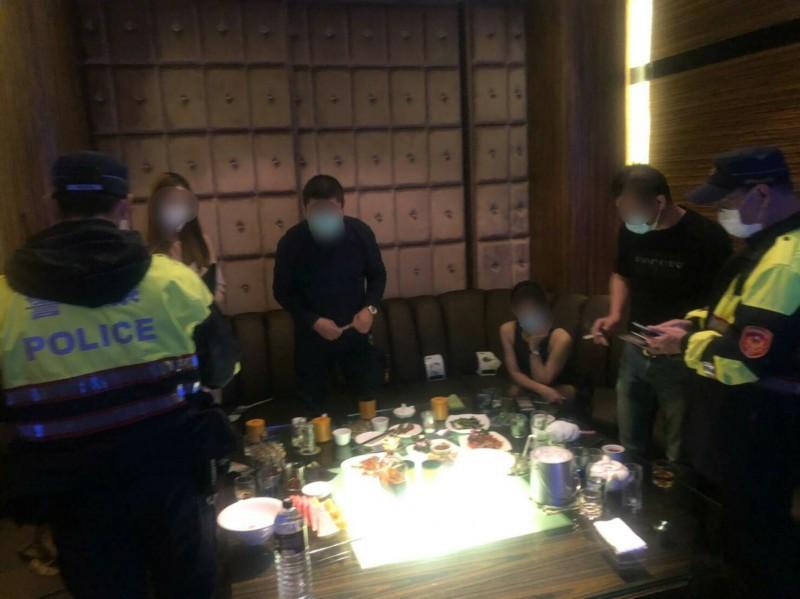 台北市酒店女公關傳出染疫,中央流行疫情指揮中心宣布酒店和舞廳全面停止營業。酒店示意圖,與本新聞無關。(資料照)