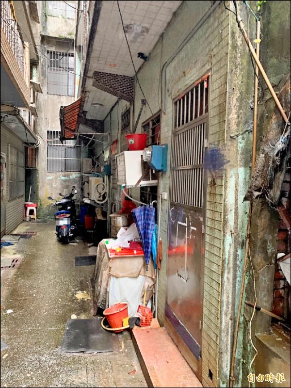 基隆陳姓男子一萬八千元罰單未繳,房子遭法拍一三五萬元賤賣。 (記者林欣漢攝)