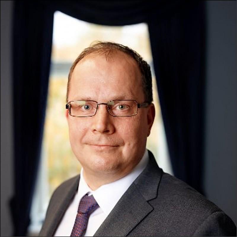 芬蘭國家緊急物資局主管洛內馬,因採購到不合格的中國製口罩引咎辭職。(取自網路)
