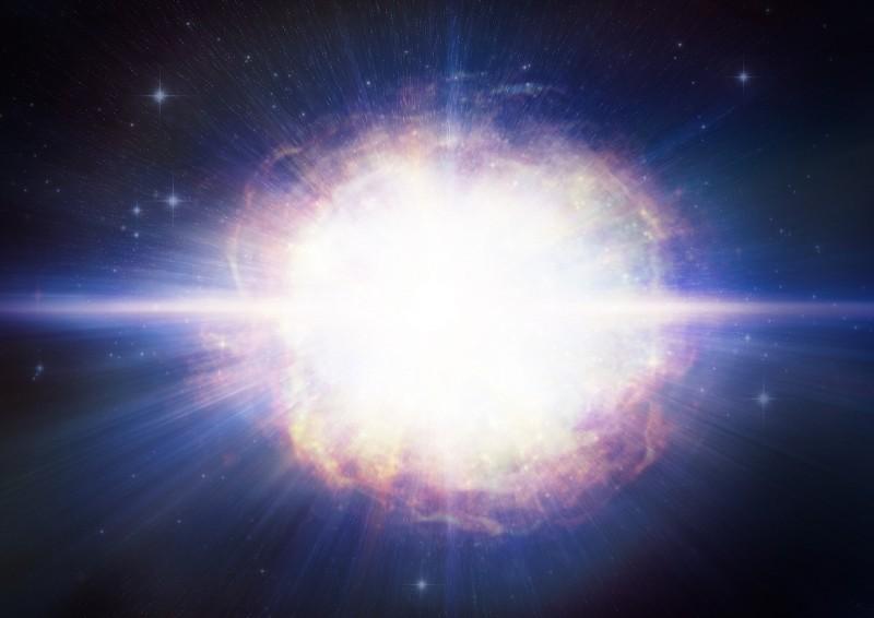 SN2016aps創下有史以來最巨大、最明亮超新星紀錄。(擷取自哈佛大學網站)