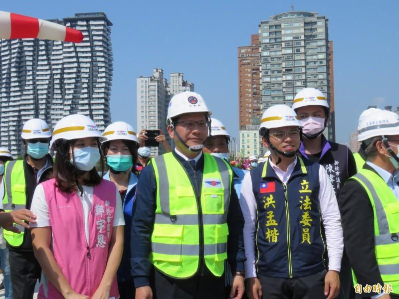 交通部長林佳龍16日下午出席「淡江大橋及連絡道5K+000~7K+035 新建工程」主塔奠基典禮。(記者陳心瑜攝)