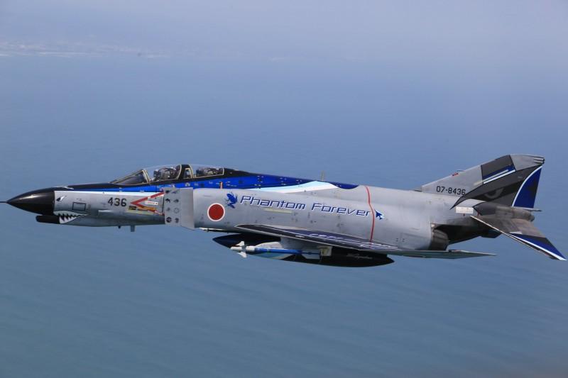 百里基地昨公布F-4EJ「最終版塗裝紀念機」塗裝樣式。(圖擷取自航空自衛隊百里基地推特)