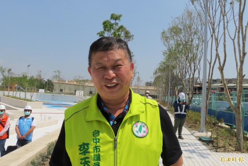 民進黨台中市黨部主委選舉只有李天生一人登記,他說,最重要任務是2022「贏回市長、議會過半」。(記者蘇金鳳攝)