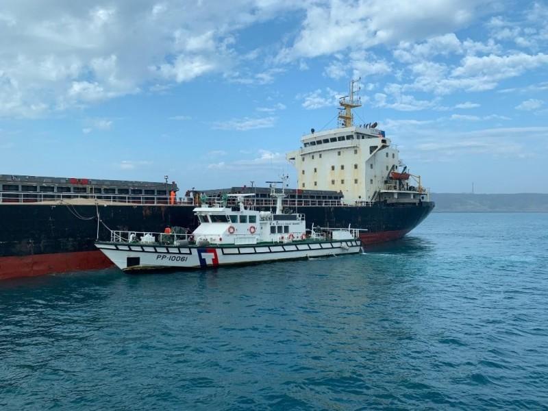 澎湖地方法院扣留的中國運砂船,已進入拍賣程序。(澎湖海巡隊提供)